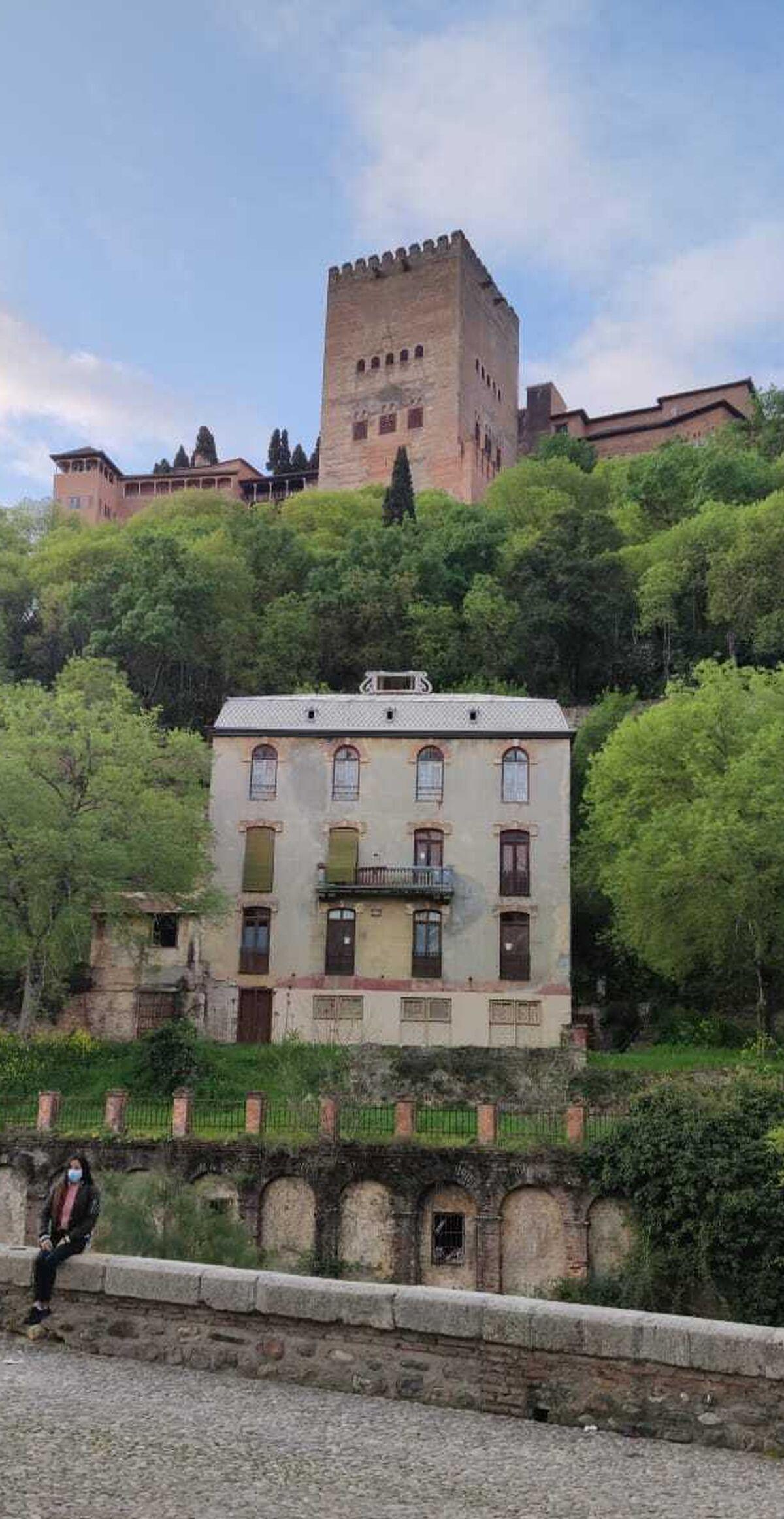 Vista de la Alhambra desde el Paseo de los Tristes.