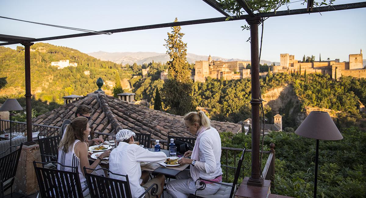 Las 10 Terrazas De Copas Con Mejores Vistas De Granada